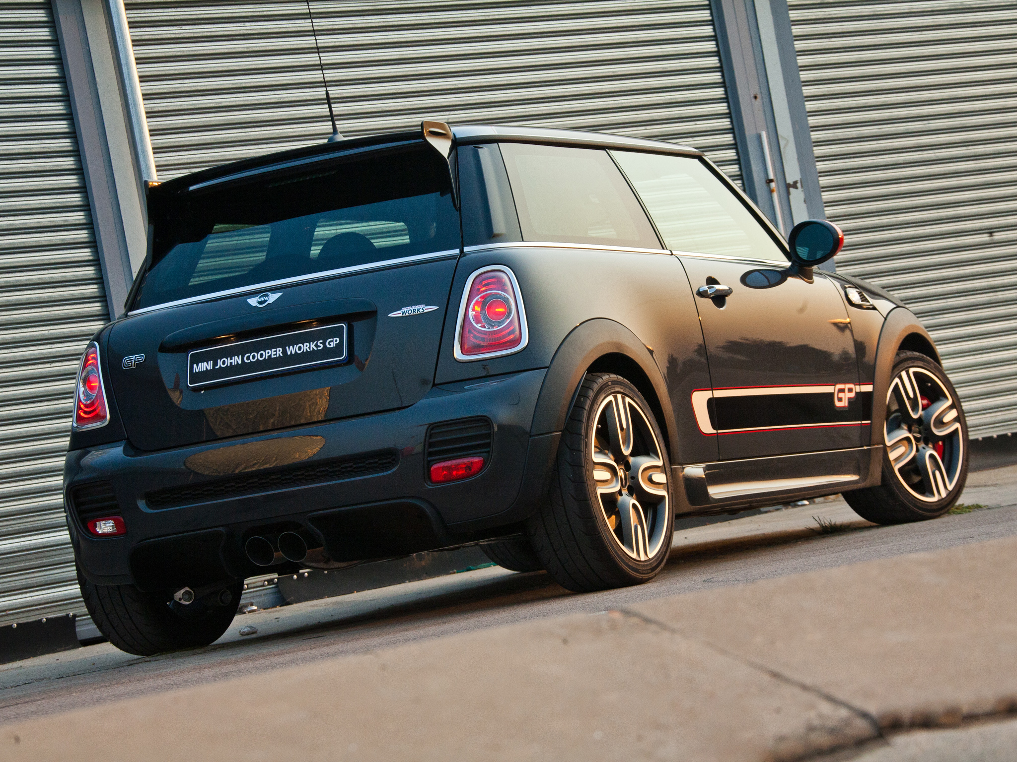 Mini Cooper John Cooper Works photo 100029