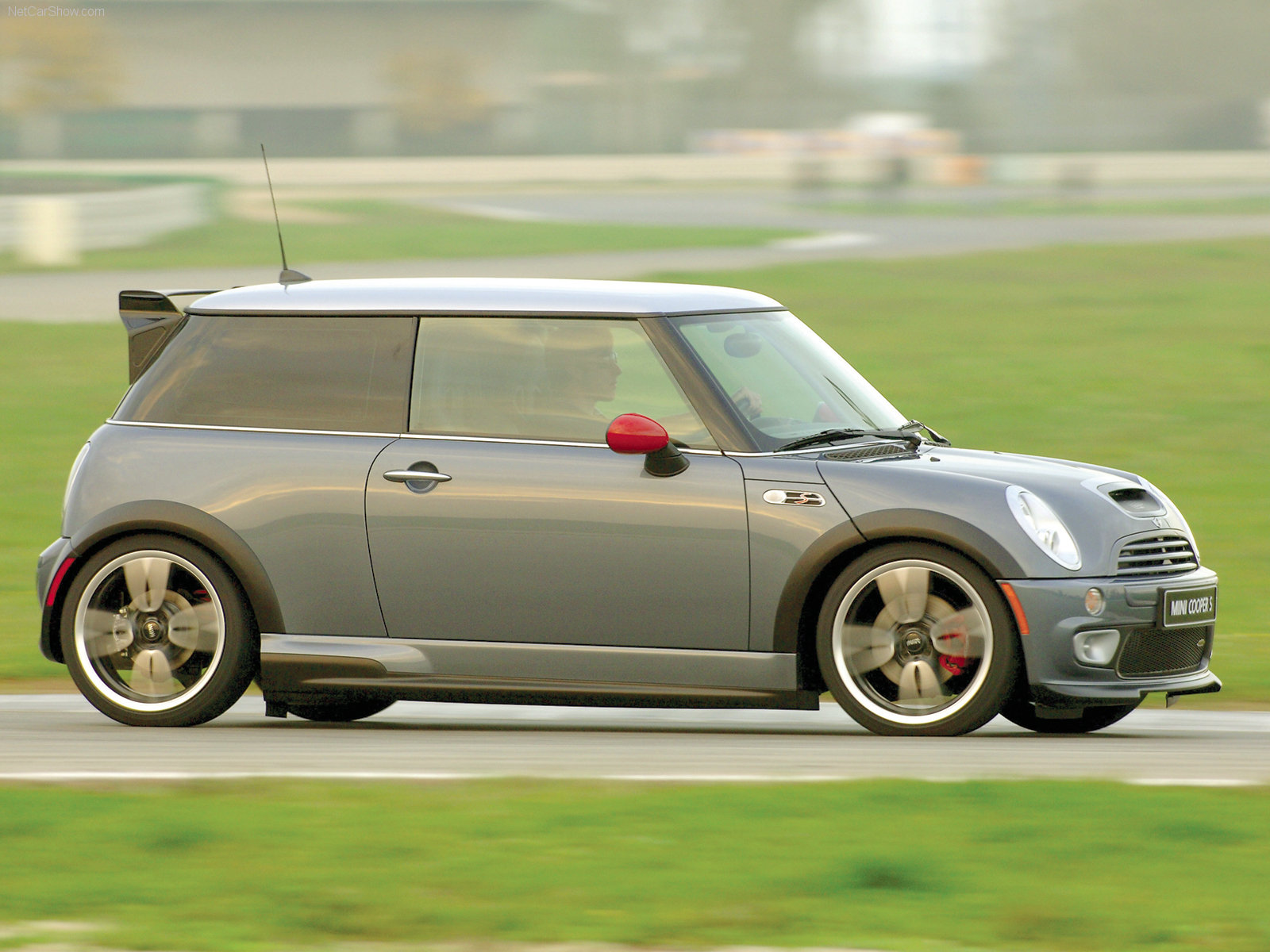 Mini Cooper S John Cooper Works photo 65878