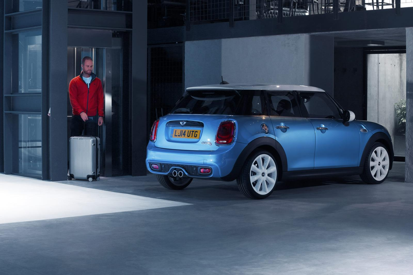 Mini five-door hatchback  photo 120198