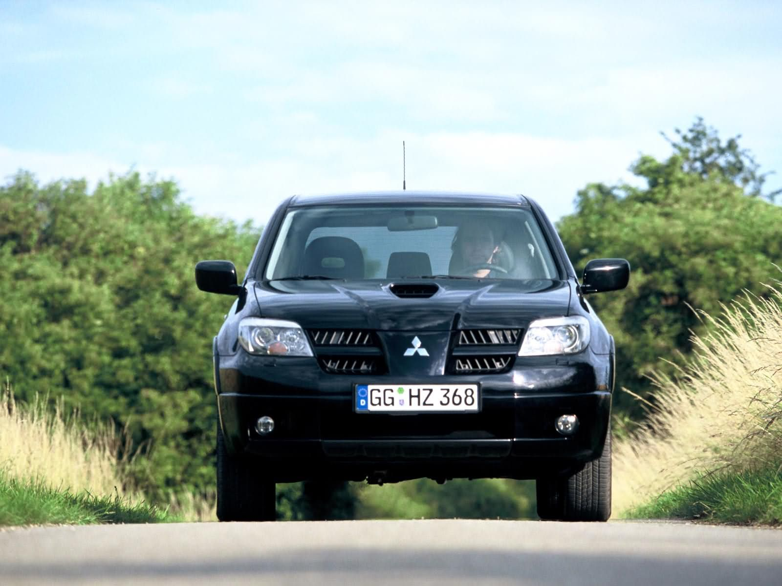Mitsubishi Outlander photo 13857