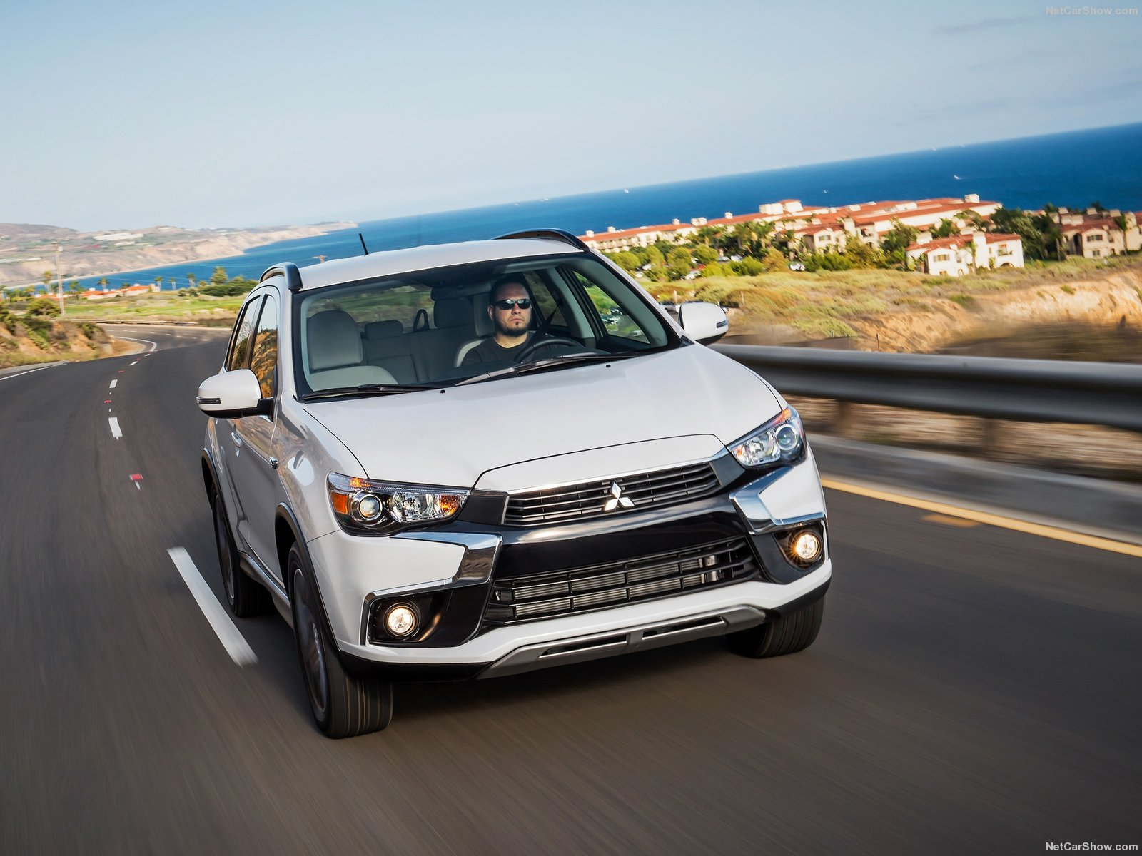 Mitsubishi Outlander Sport photo 154897