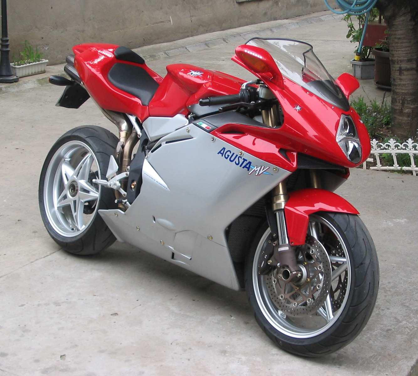 MV Agusta F4 1000 photo 37443