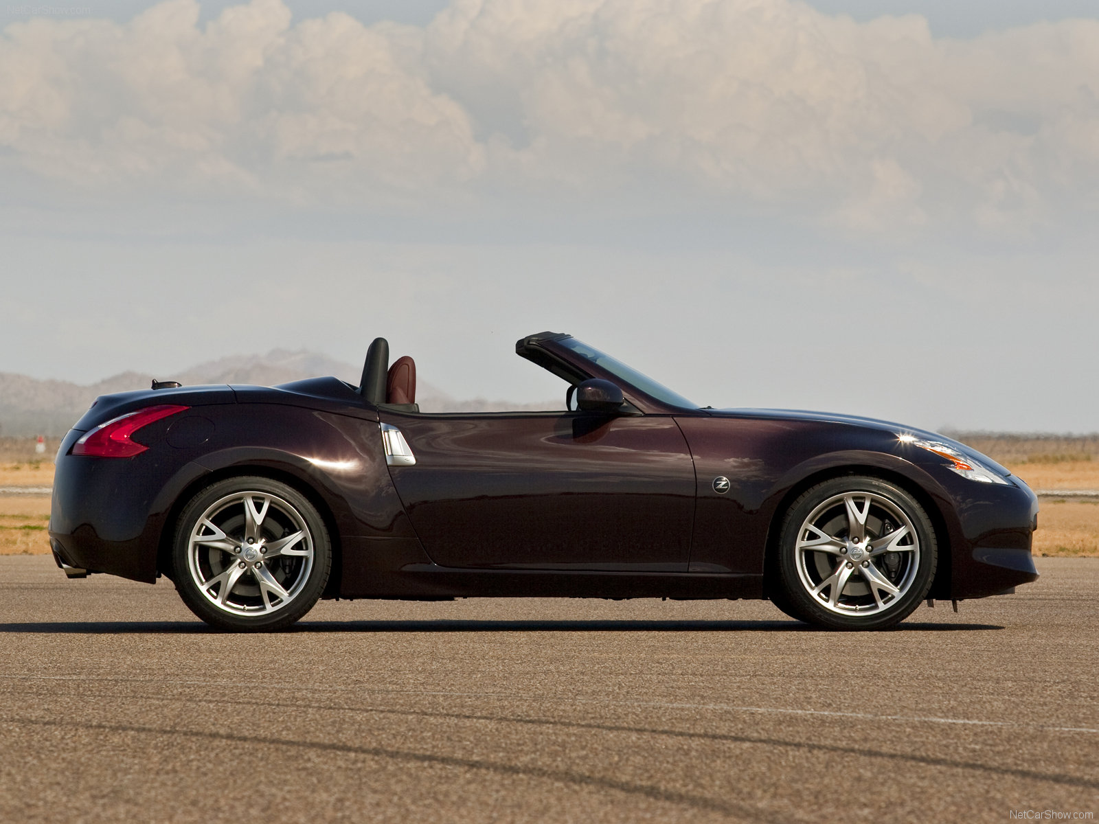 Nissan 370Z Roadster photo 63349