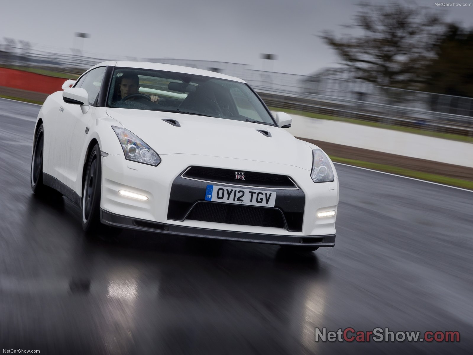 Nissan GT-R Track Pack photo 91519