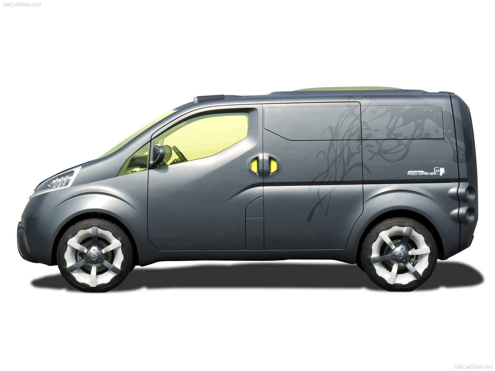 Nissan NV200 photo 48335