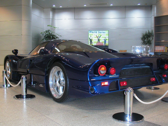 Nissan R390 GT1 photo 14762