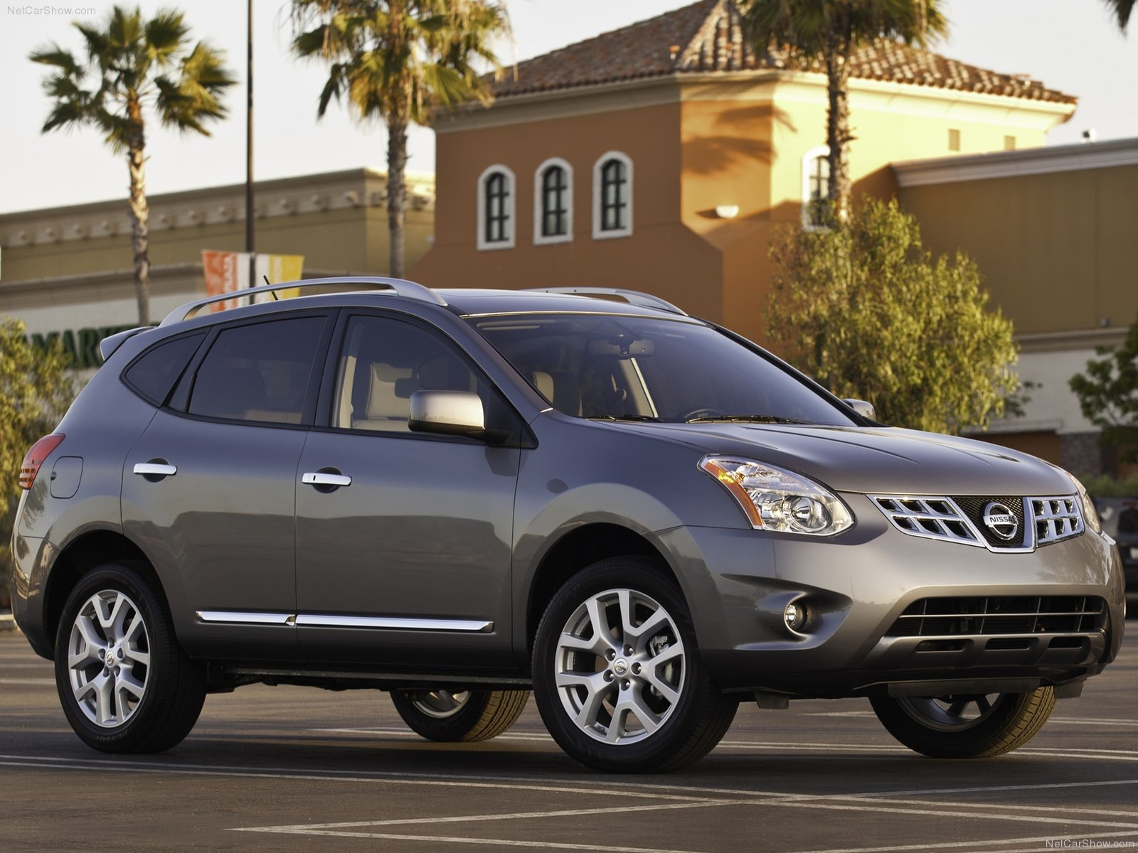 Nissan Rogue photo 75000