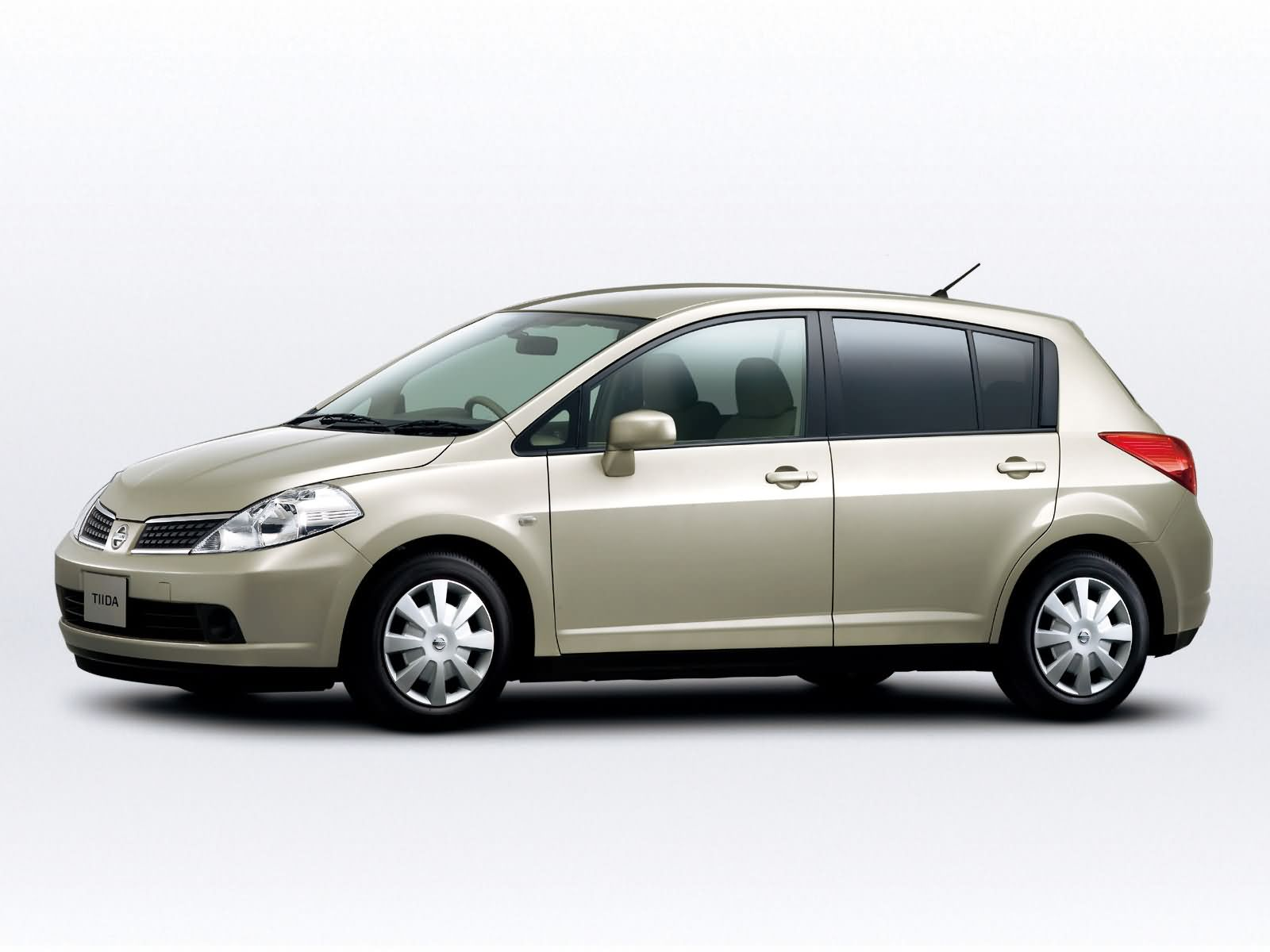 Nissan Tiida photo 15625