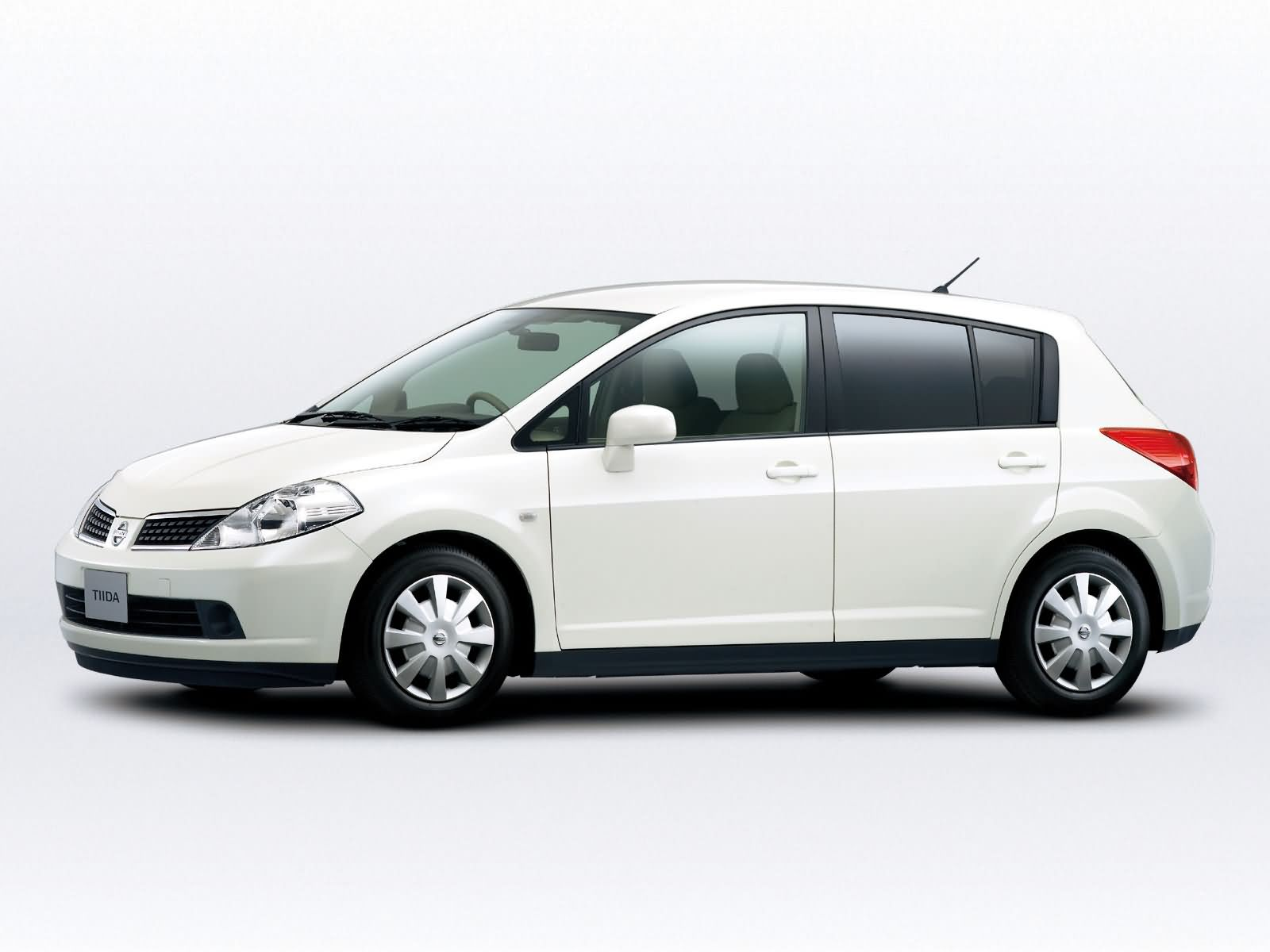 Nissan Tiida photo 15629