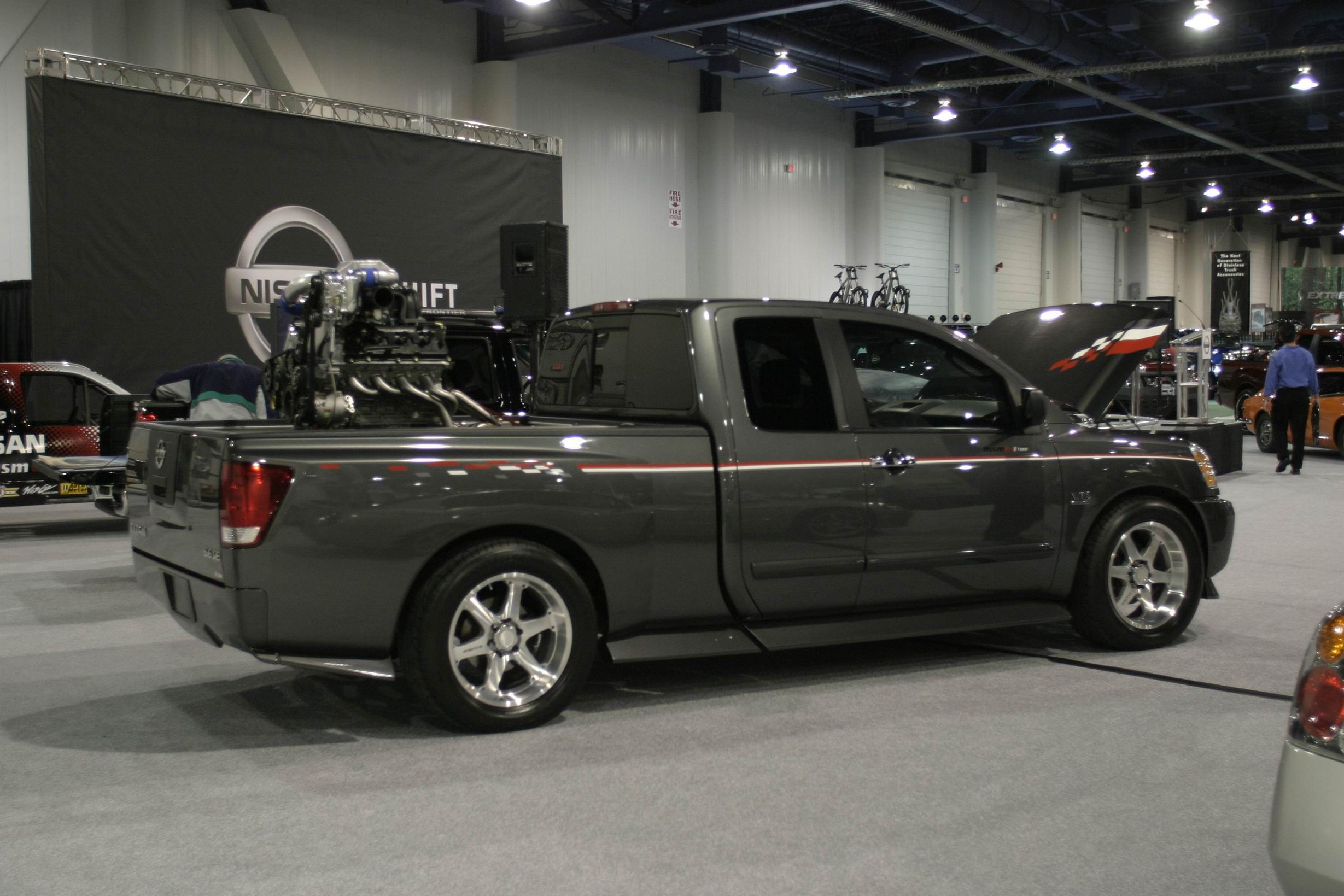 Nissan Titan photo 27605