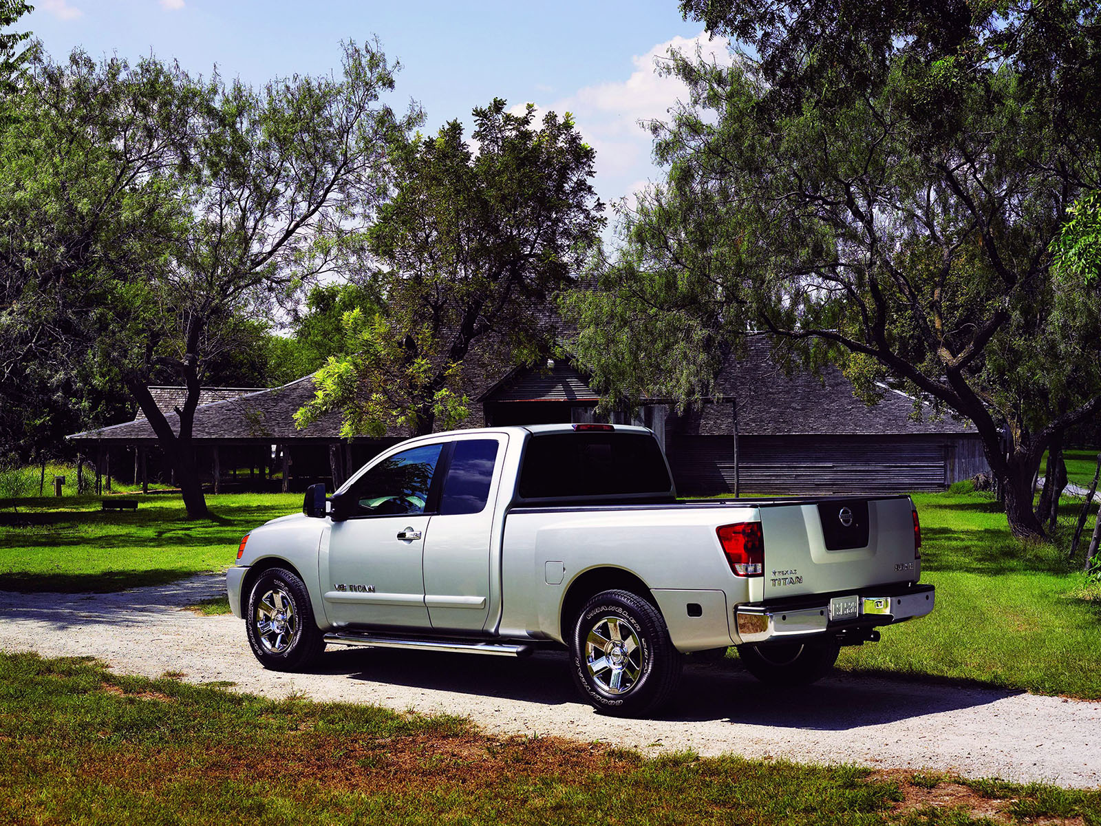 Nissan Titan photo 50544