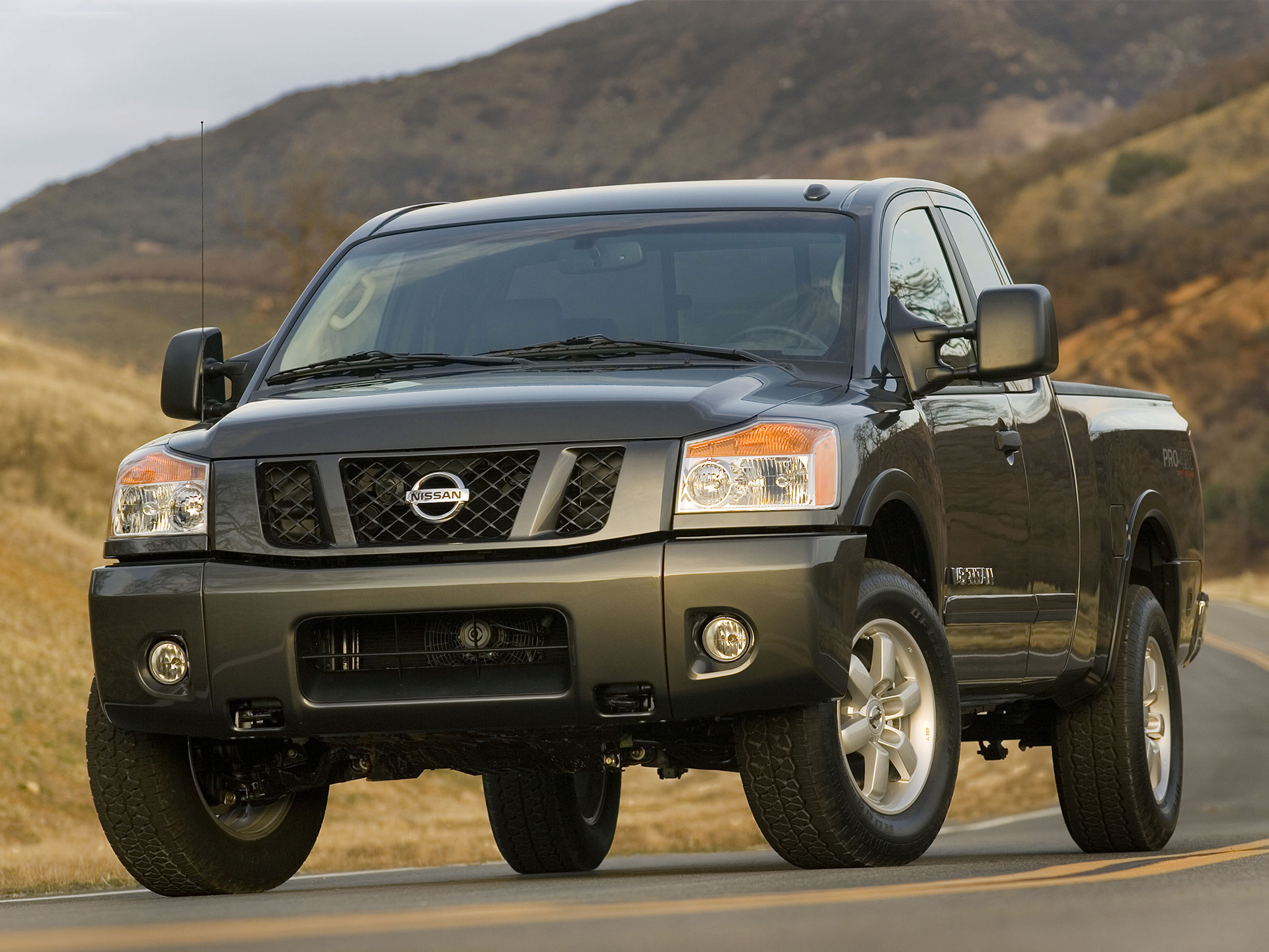 Nissan Titan photo 50545