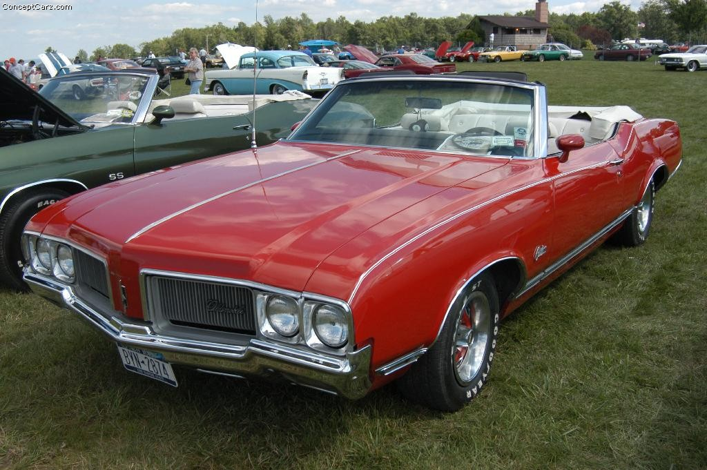 Oldsmobile Cutlass photo 24004