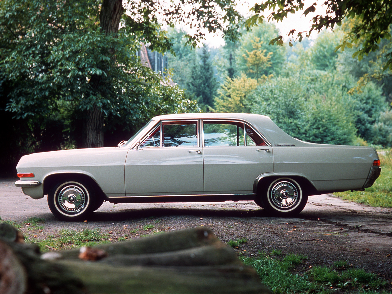 Opel Admiral photo 88083