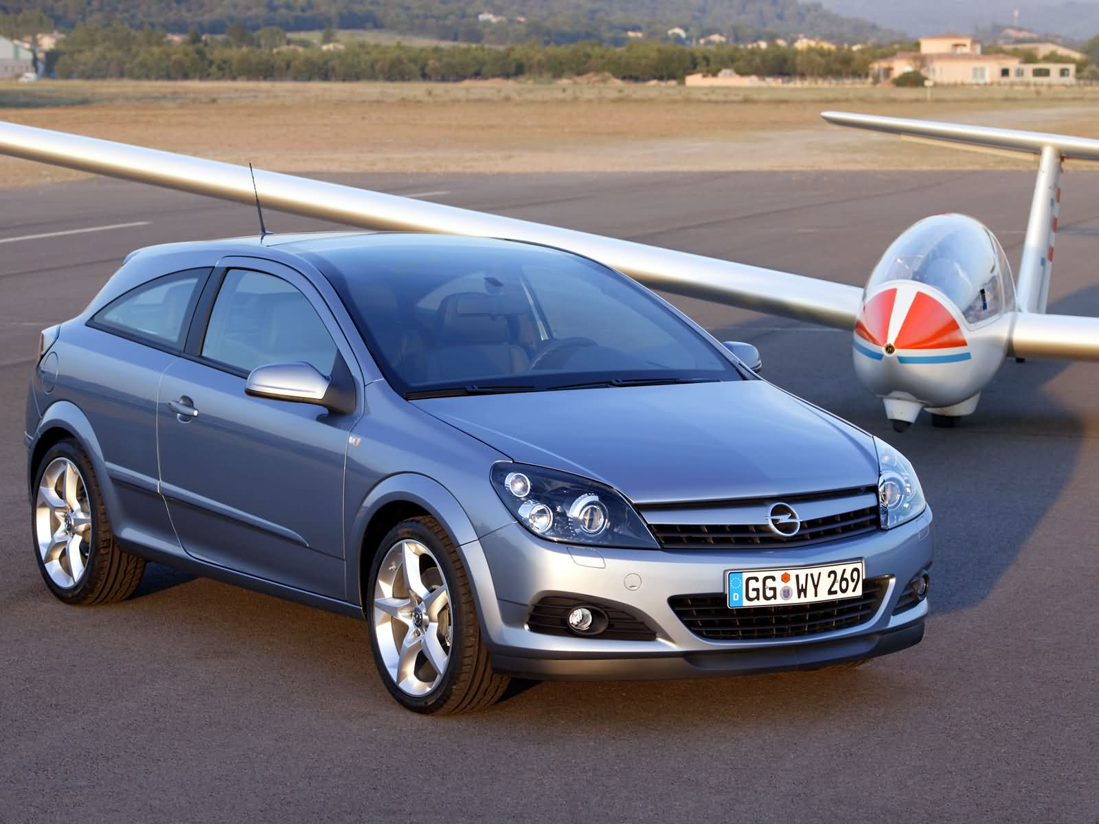 Opel Astra GTC photo 16779