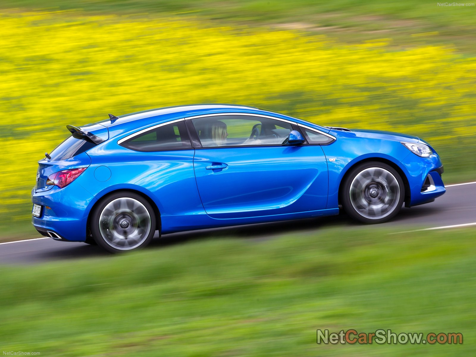 Opel Astra OPC photo 92969