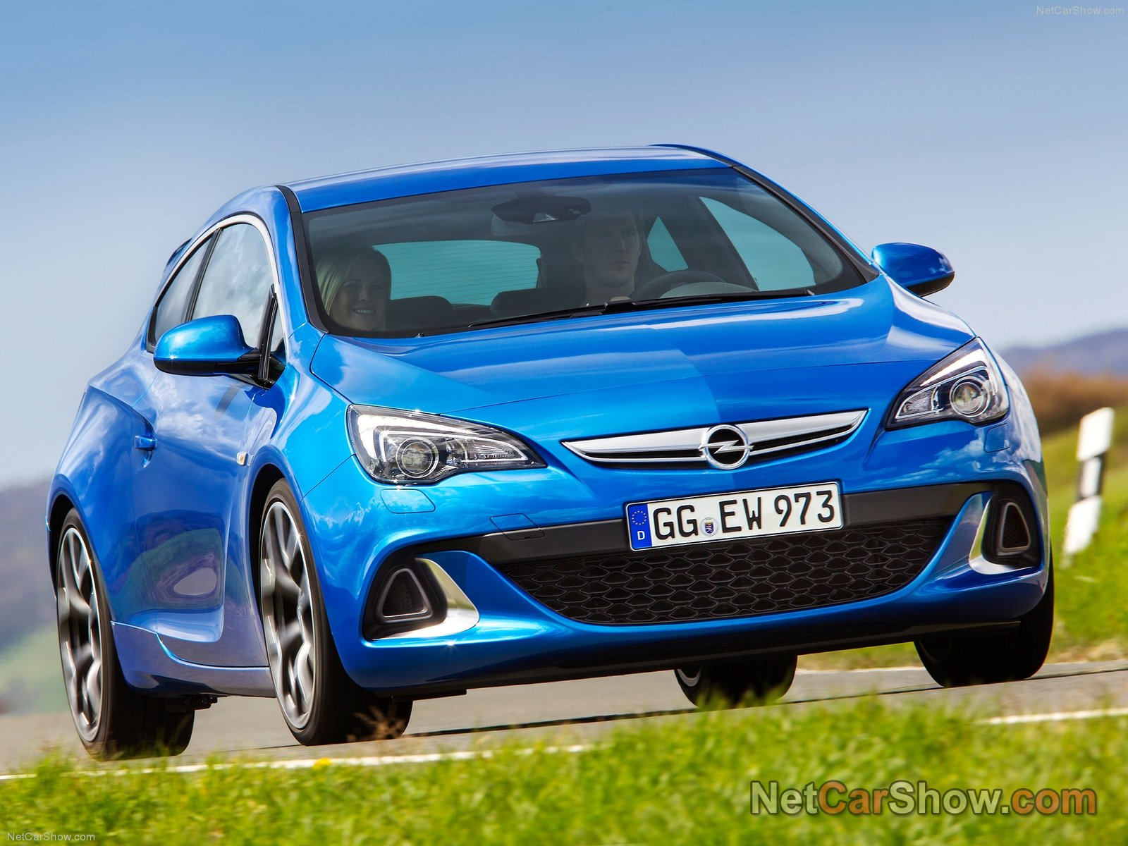 Opel Astra OPC photo 92973