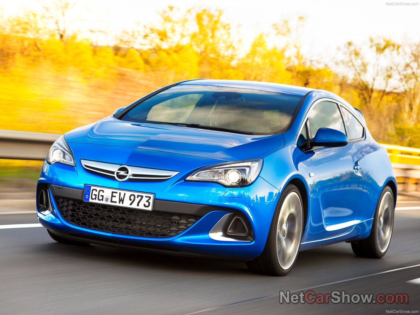 Opel Astra OPC photo 92982