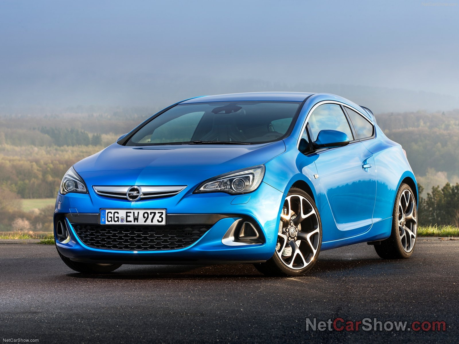 Opel Astra OPC photo 92986