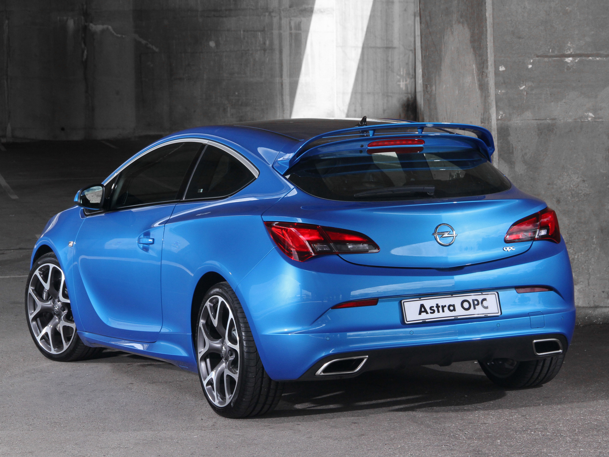 Opel Astra OPC photo 99003