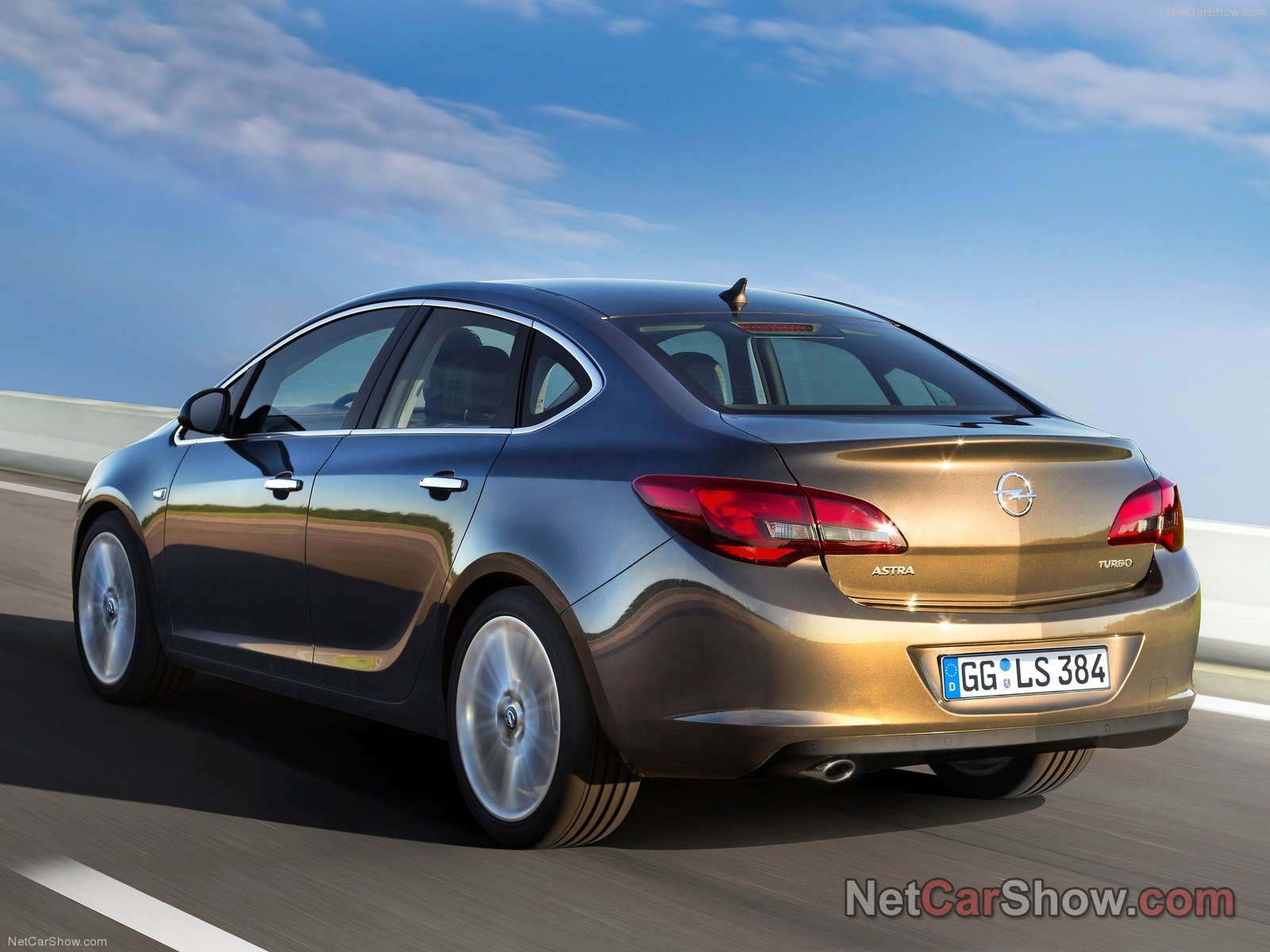 Opel Astra Sedan photo 92592