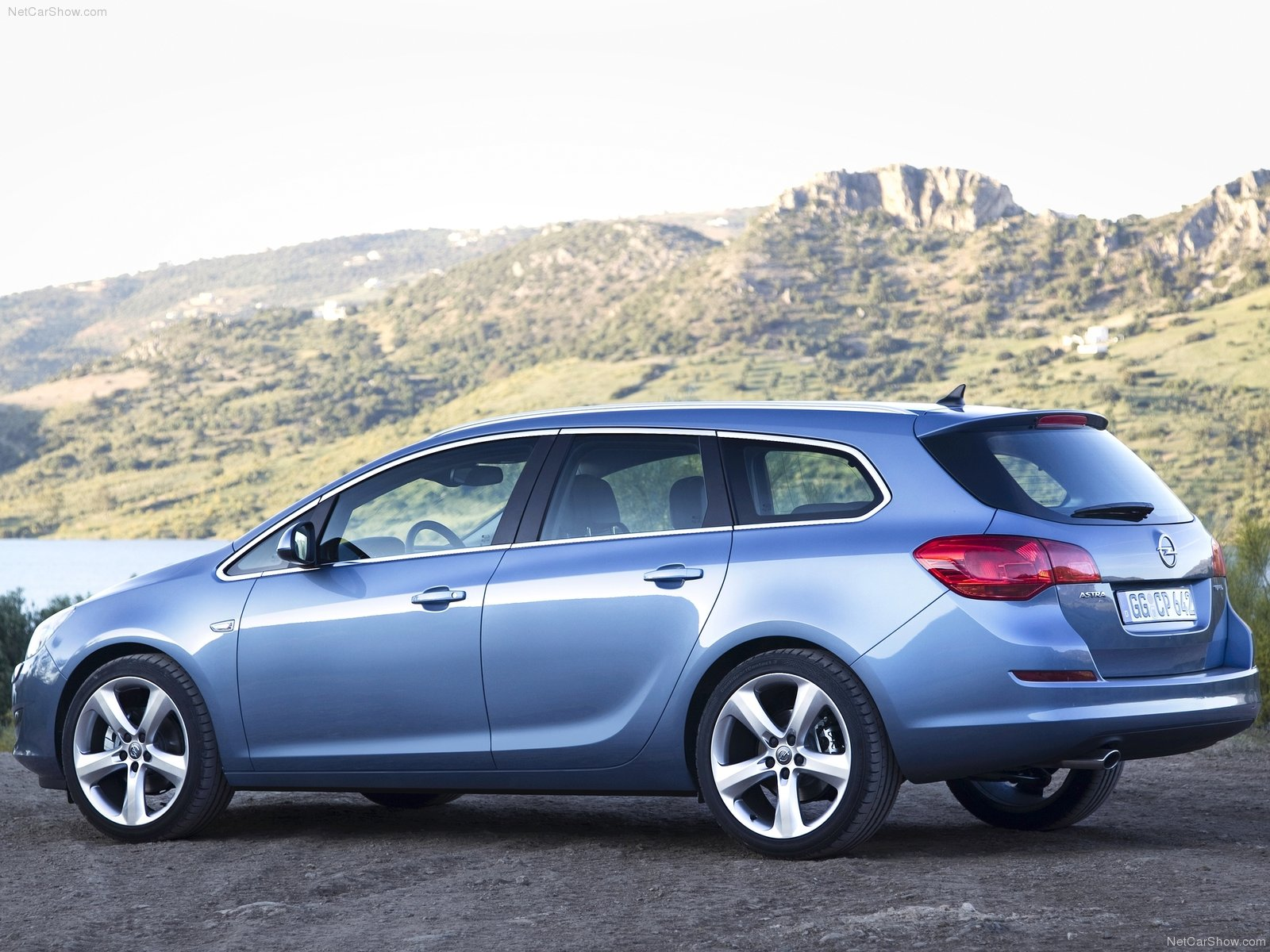 Opel Astra Sports Tourer photo 74314