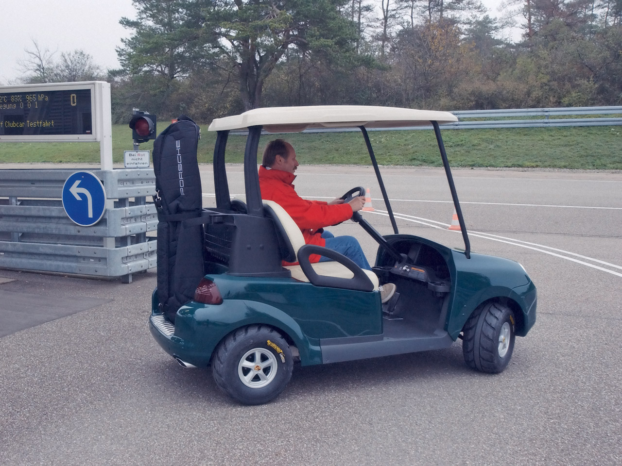 Porsche Golf Cart photo 21592