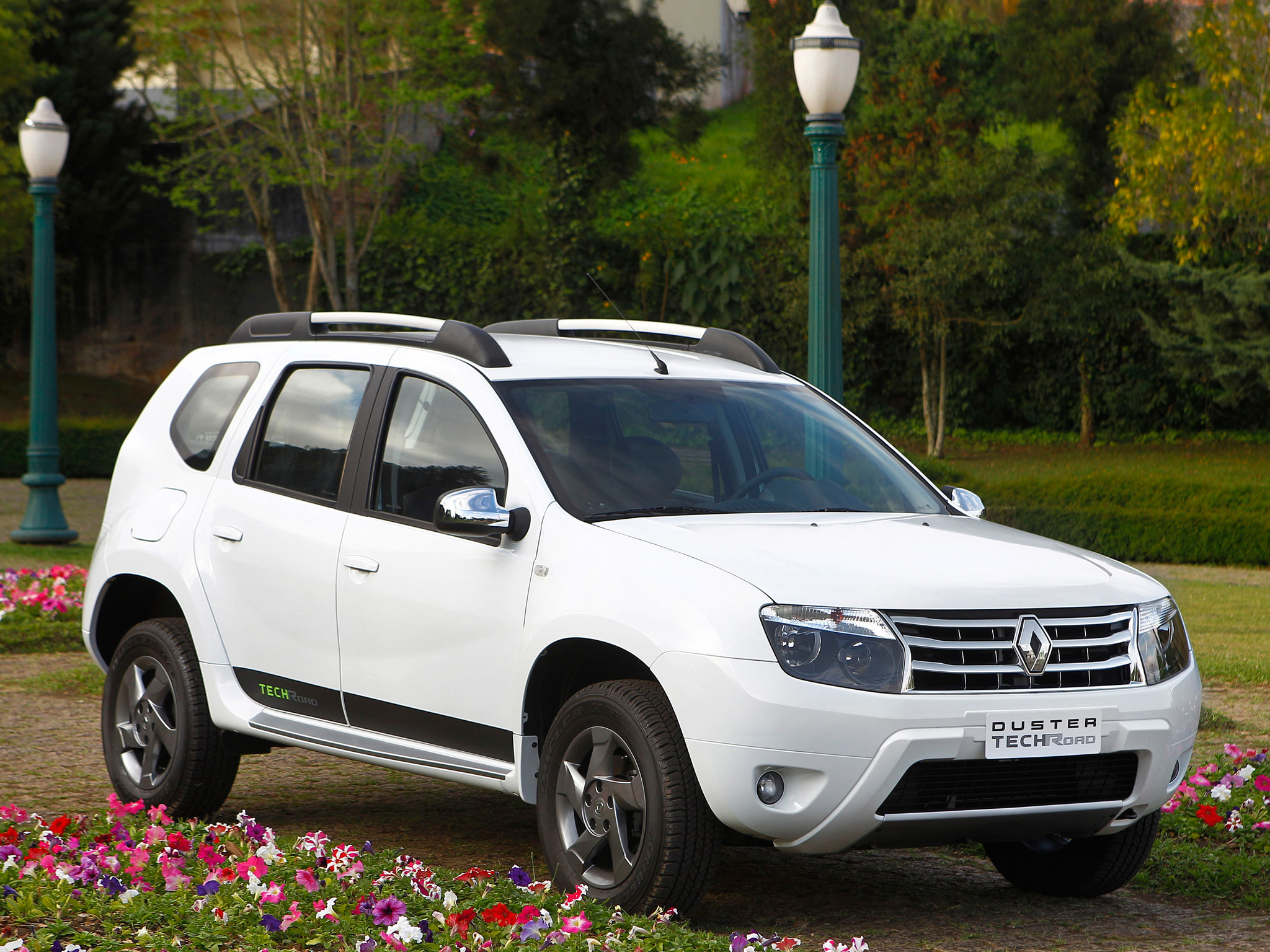 Renault Duster Picture 95776 Renault Photo Gallery Carsbasecom
