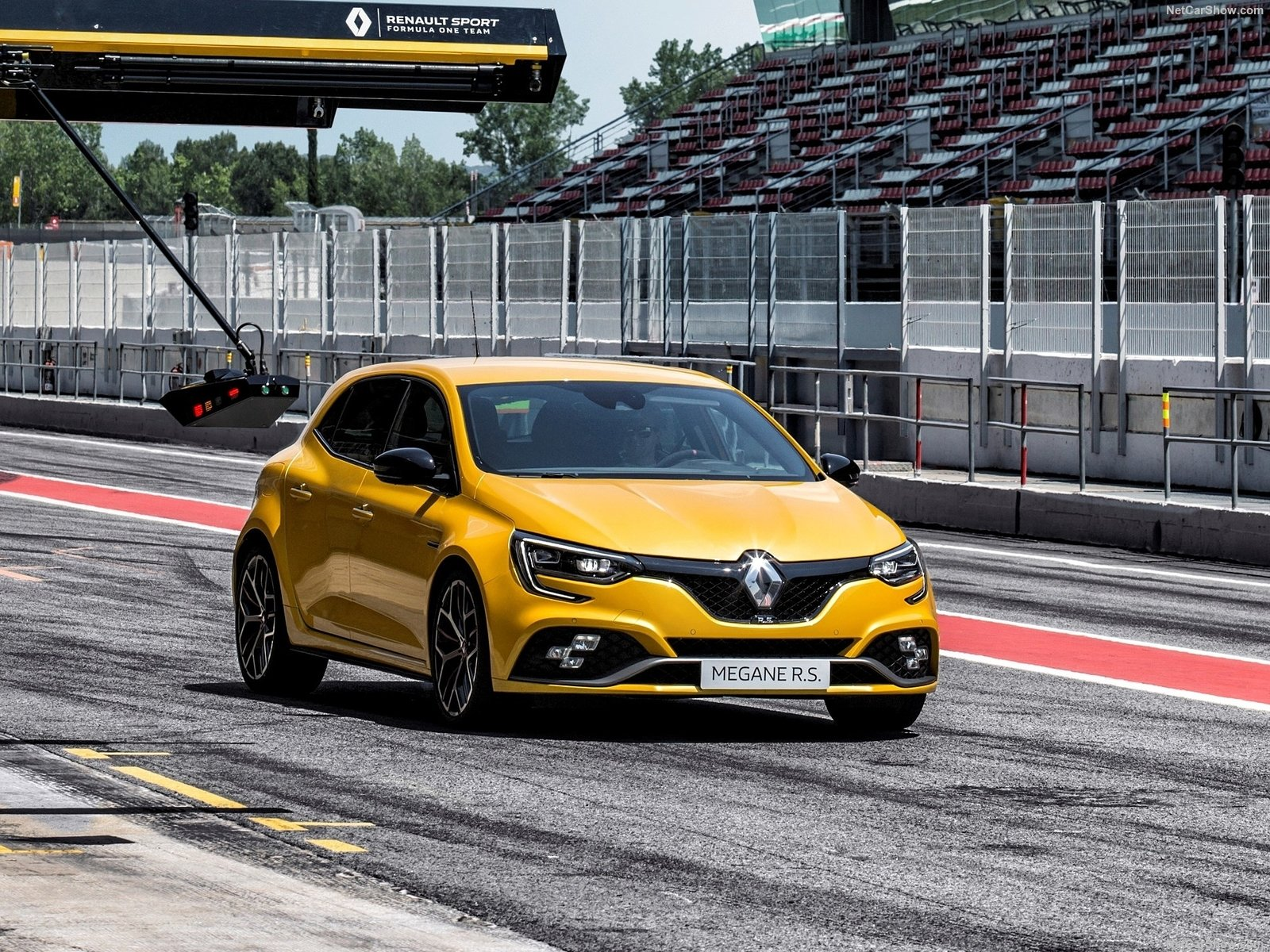 Renault Megane RS Trophy photo 190081