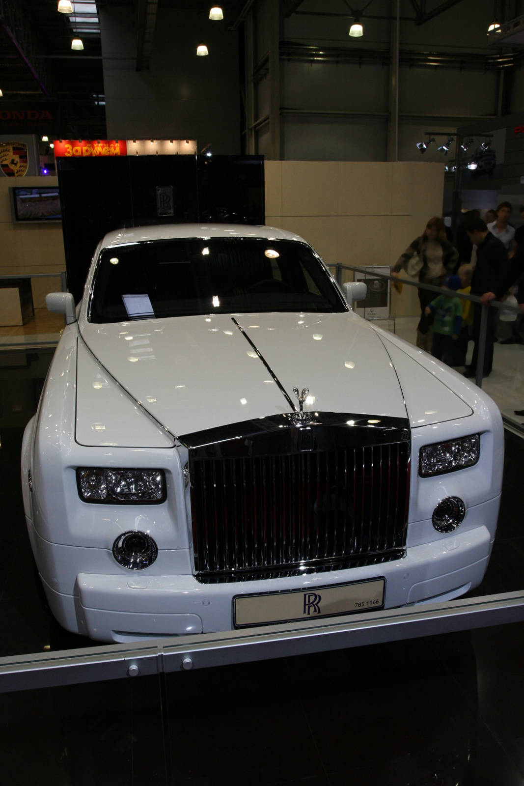 Rolls-Royce Phantom photo 38253