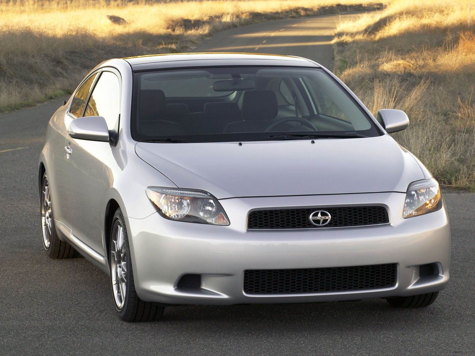 Scion tC photo 8138