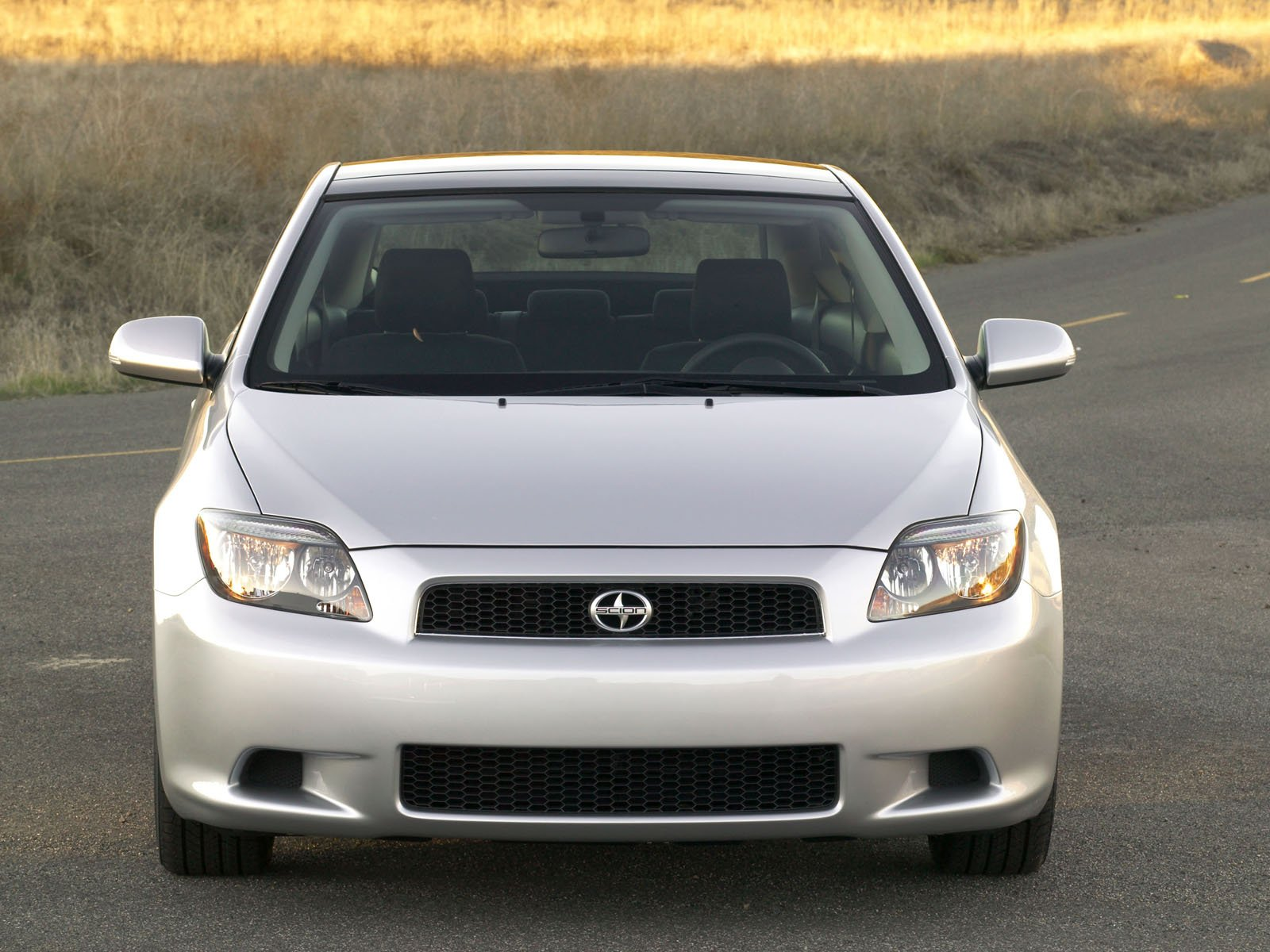 Scion tC photo 8139