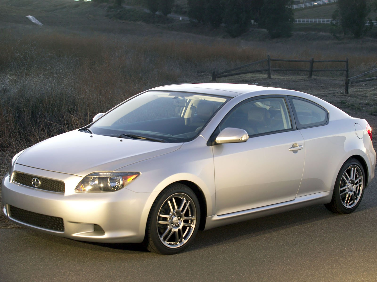 Scion tC photo 8140