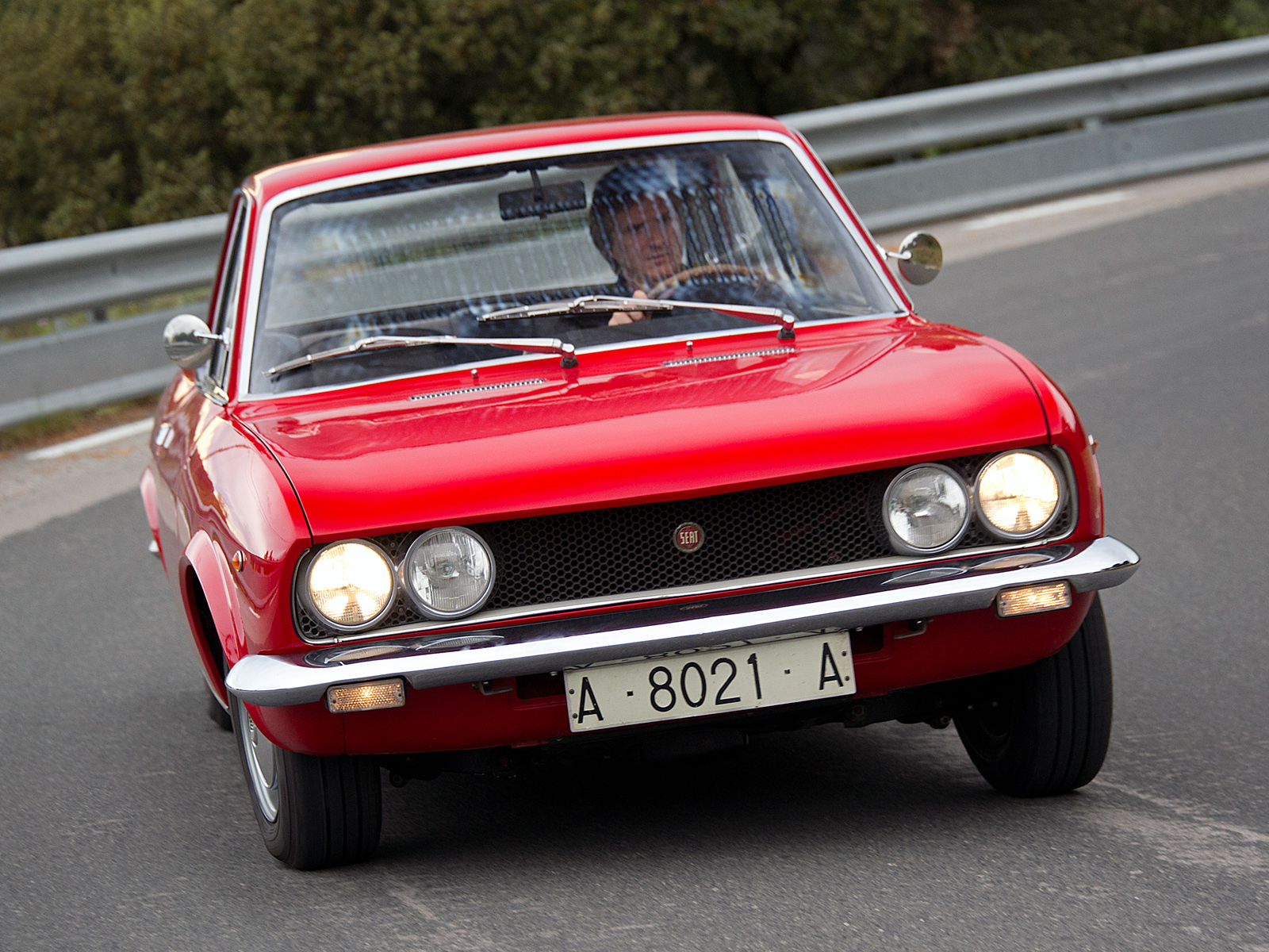Seat 124 Sport Coupe photo 93680