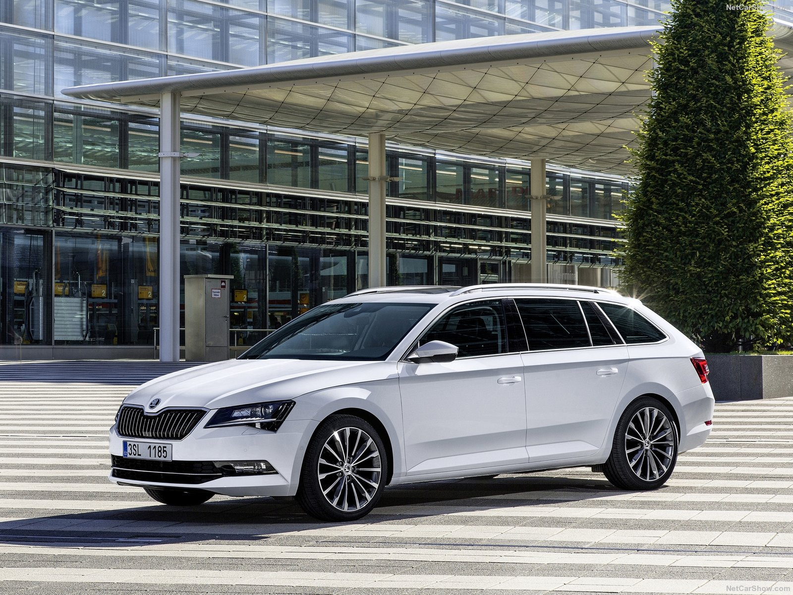 Skoda Superb Combi photo 145426