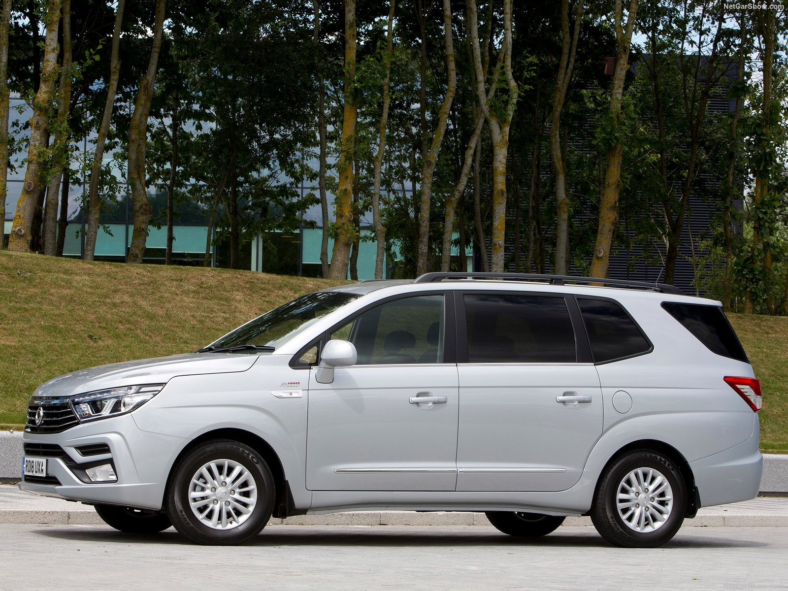 SsangYong Turismo photo 190061