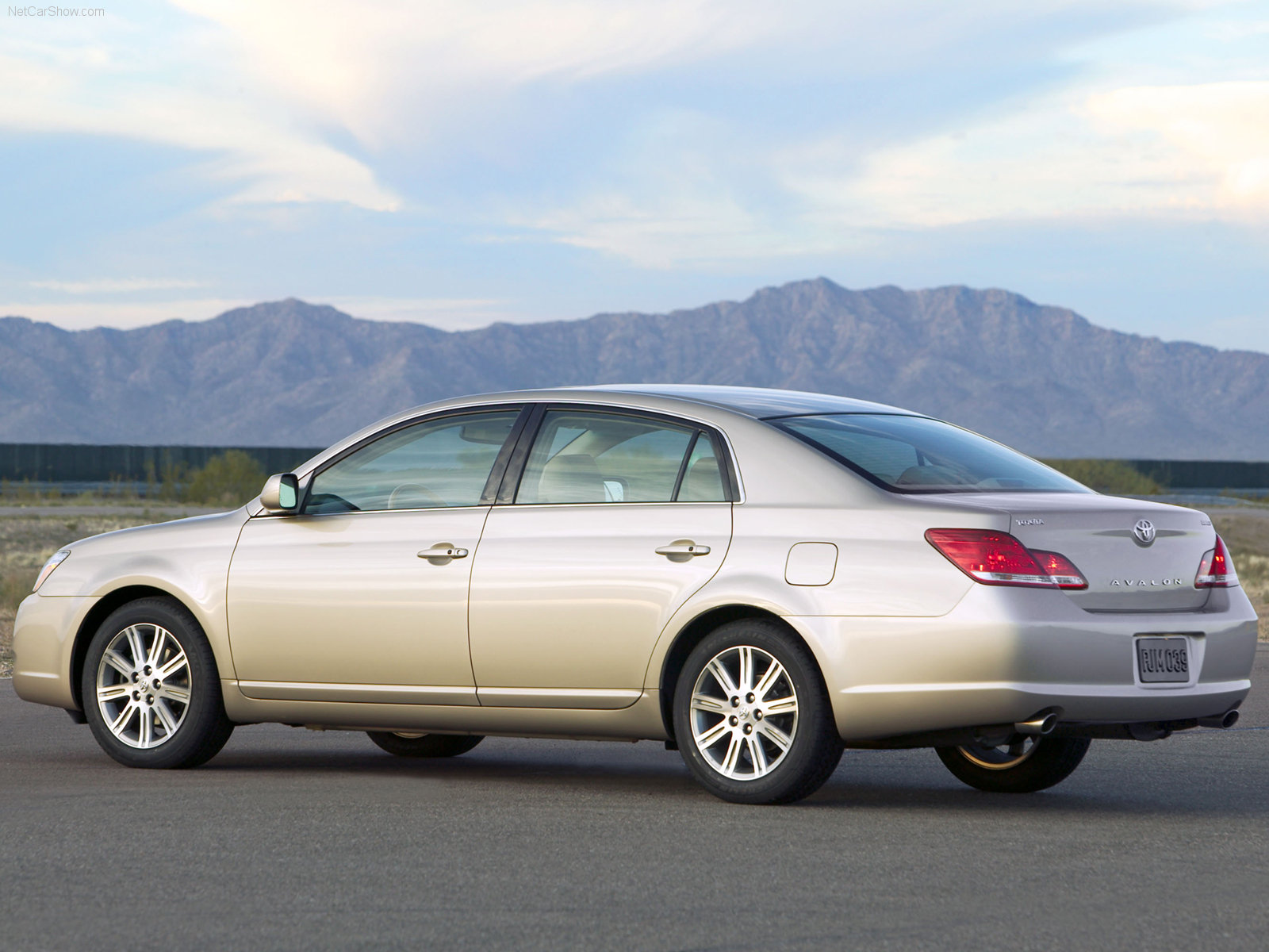 Toyota Avalon photo 31436