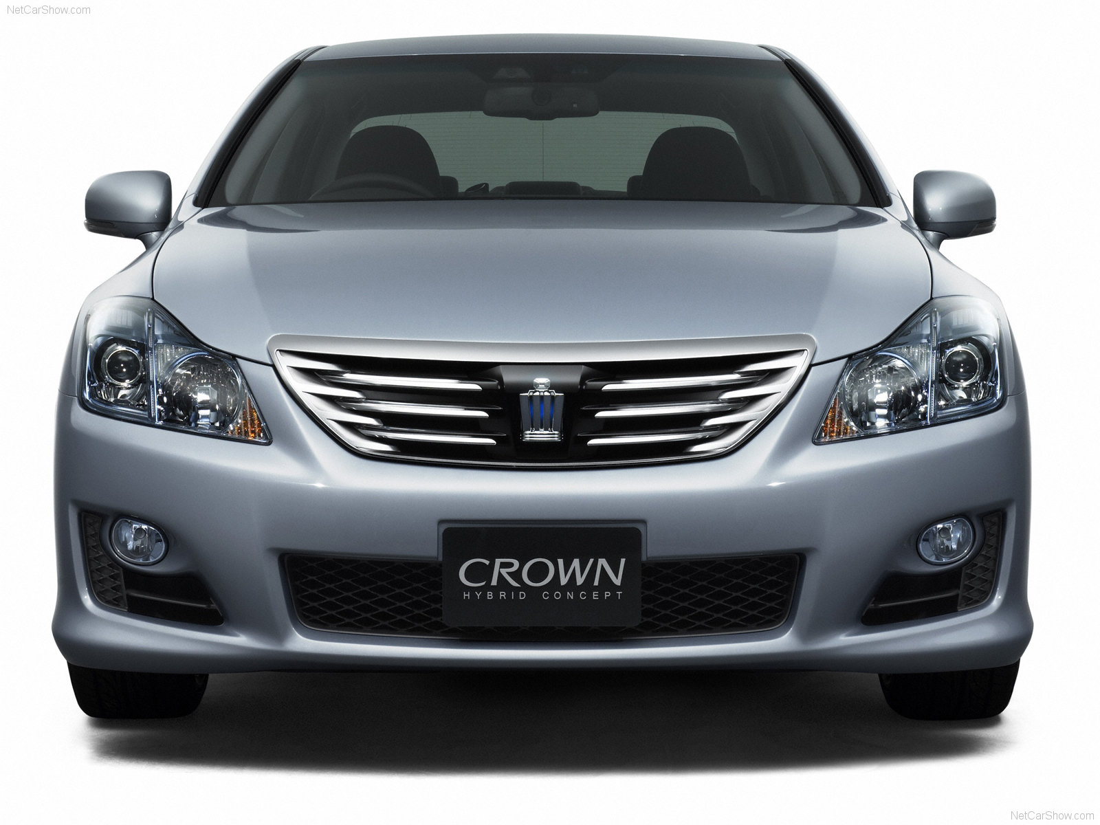 Toyota Crown Hybrid photo 48302
