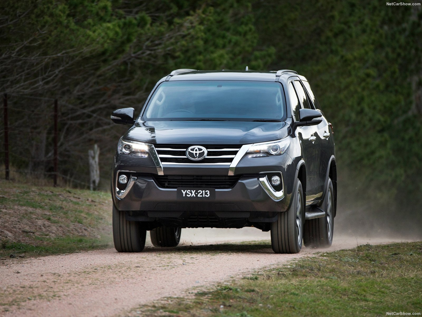 Toyota Fortuner Picture 146541 Toyota Photo Gallery Carsbase Com