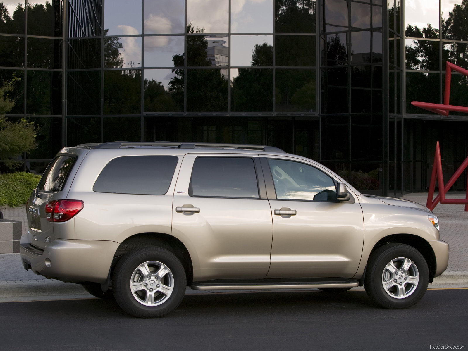 Toyota Sequoia photo 49419