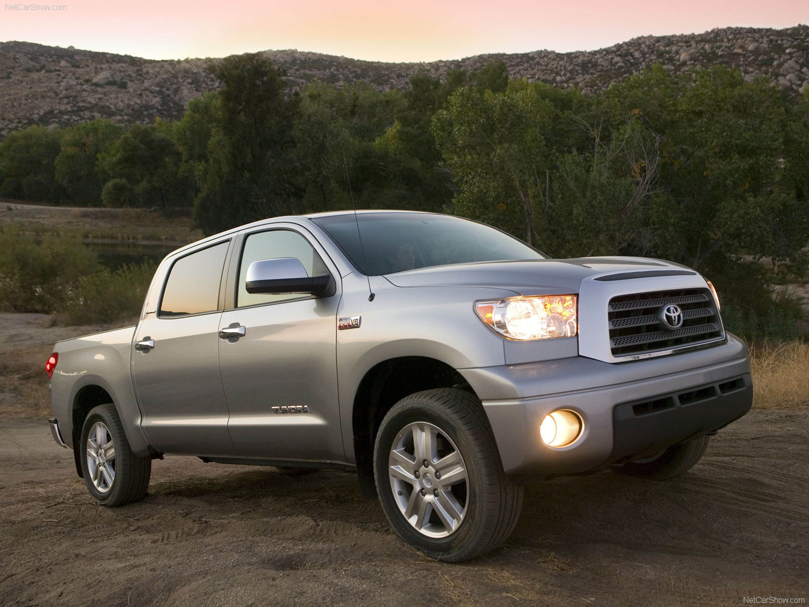 Toyota Tundra CrewMax photo 40648