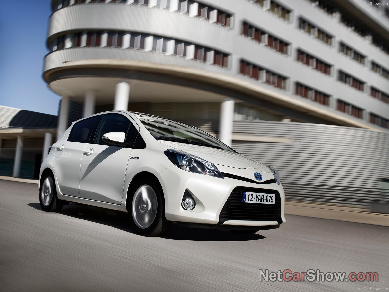 Toyota Yaris Hybrid photo 92552