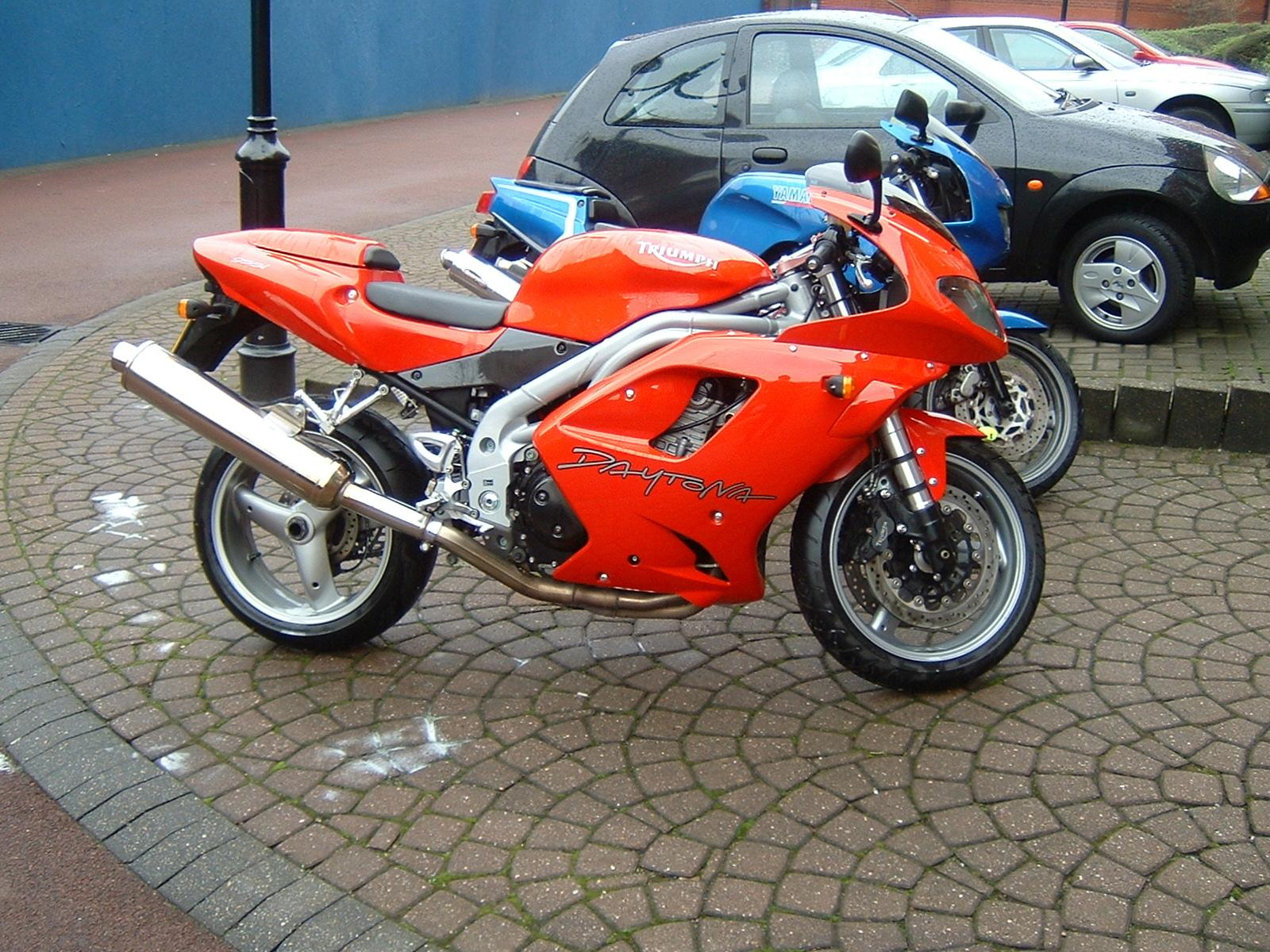 Triumph Daytona 955 photo 18240