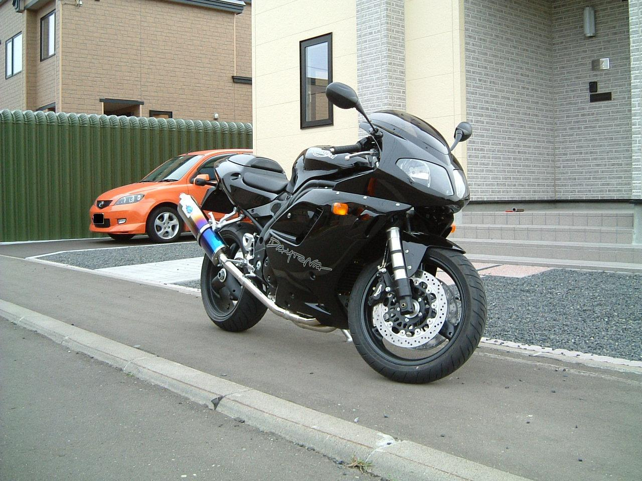 Triumph Daytona 955 photo 18243
