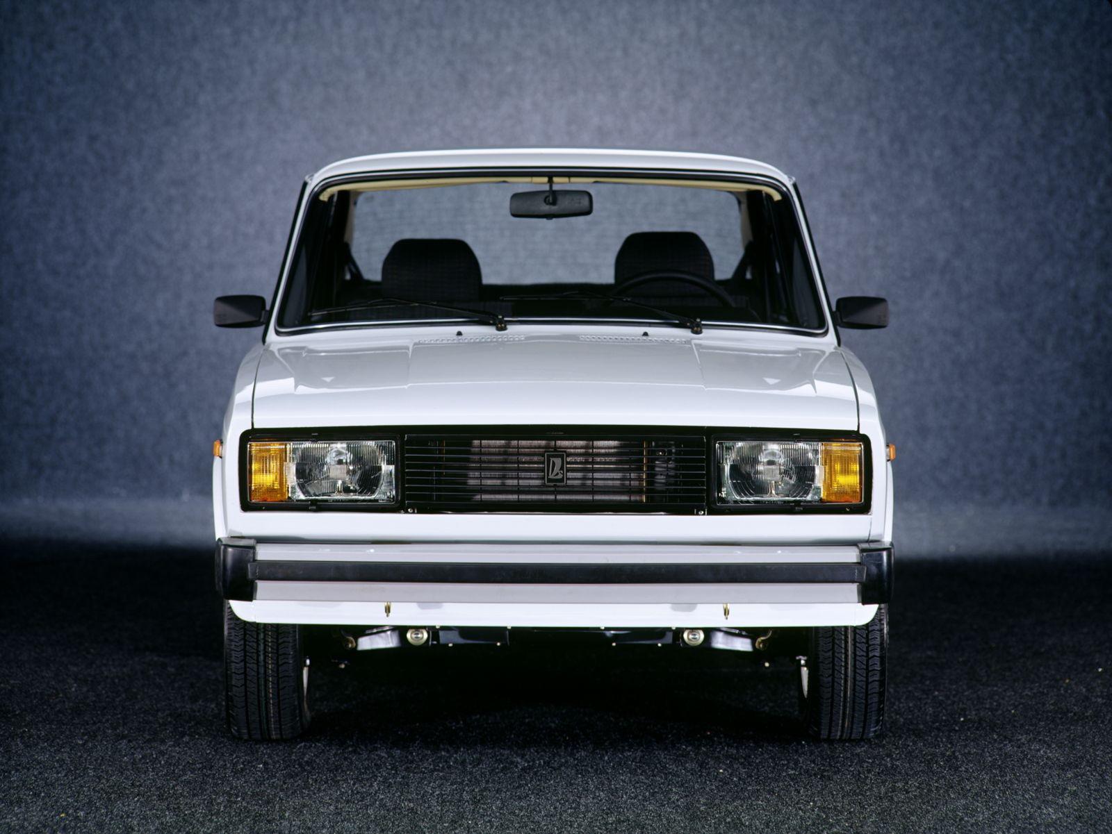 pic link: https://www.carsbase.com/photo/vaz/vaz-2105-mk3-pic36160.jpg