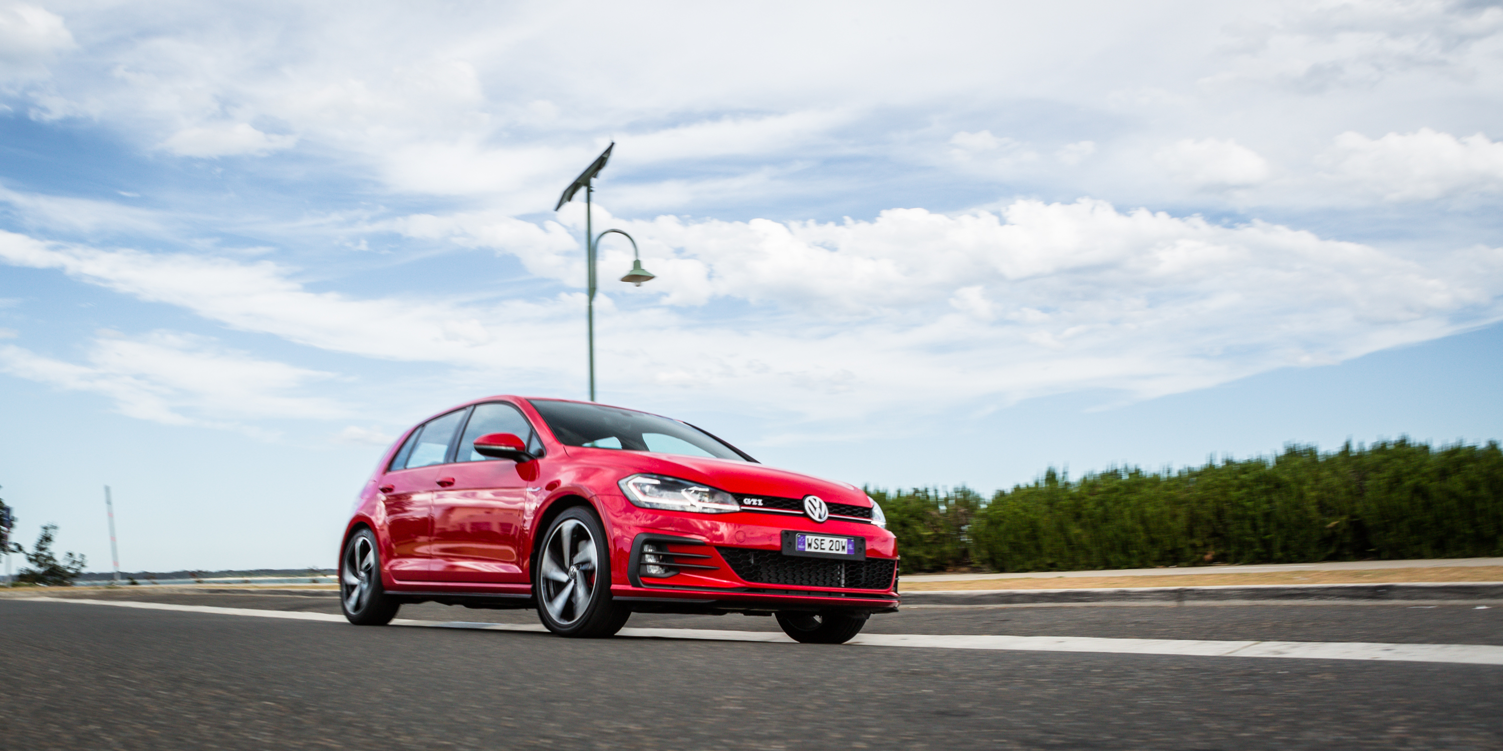Volkswagen Golf GTI photo 183038