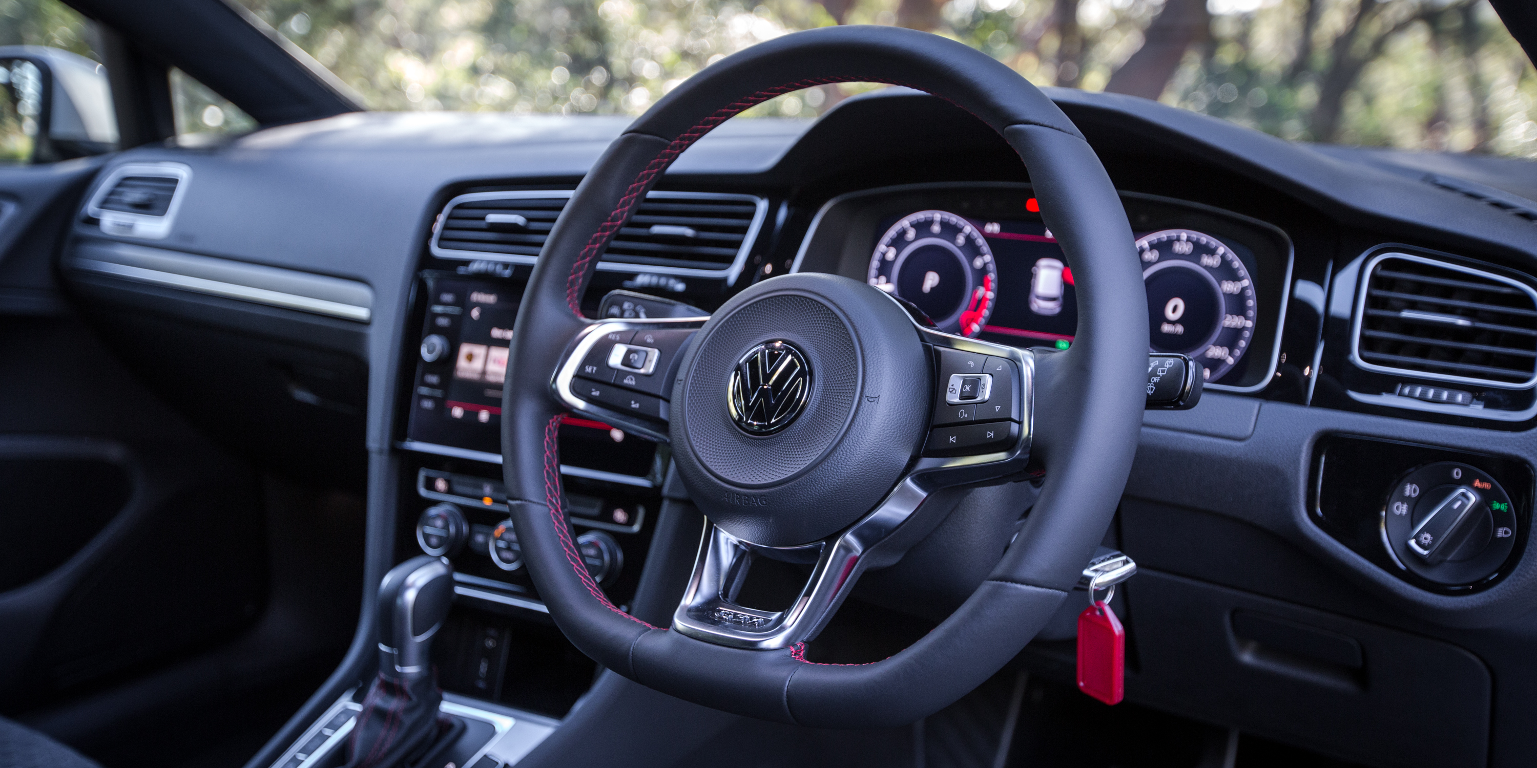 Volkswagen Golf GTI Performance Edition 1 photo 180653