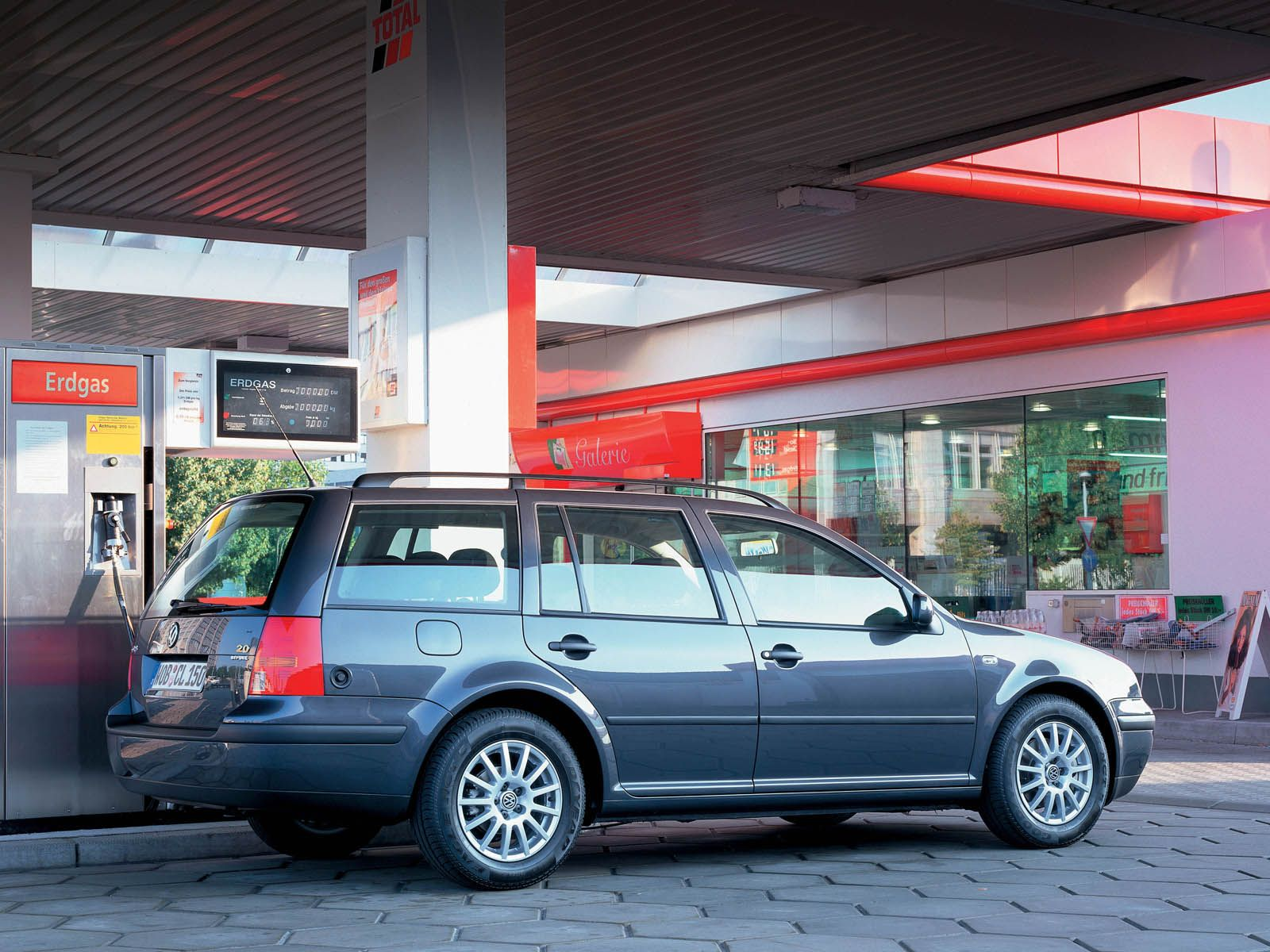 Volkswagen Golf IV photo 9459