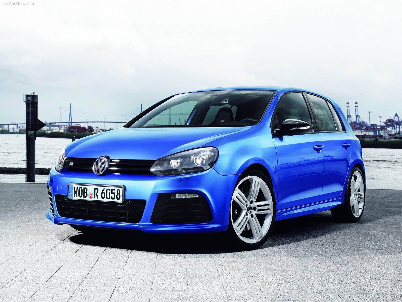 Volkswagen Golf R photo 75256