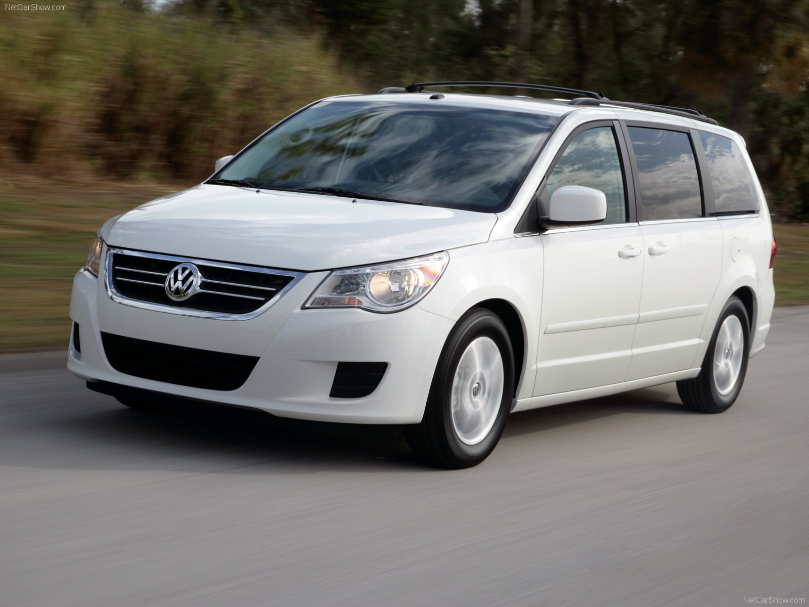 Volkswagen Routan photo 52006